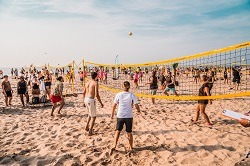 Beachvolleyballturnier am Strand